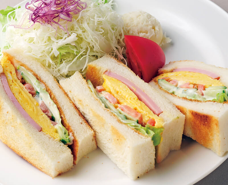 Toasted mix sandwiches with salad Image